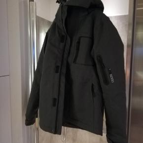 Nanok jakke