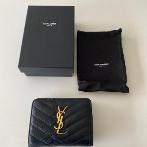 Yves Saint Laurent pung