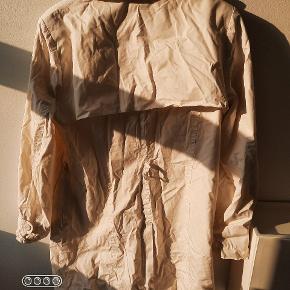 Efterårs frakke. Obs- uden bælte