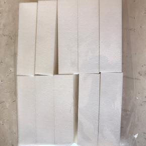 Ti stk hvid slibeblok 180/180 sælges samlet 80,-  Da jeg grundet ulykke på ingen måde kan lave negle mere, ser jeg mig nødsaget til at sælge alt mit neglegrej 😞