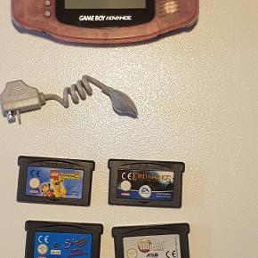Gameboy.  6 spil medfølger.  Køber betaler porto.