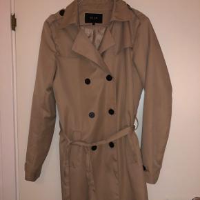 Fin jakke! Sælges da jeg ikke får den brugt.