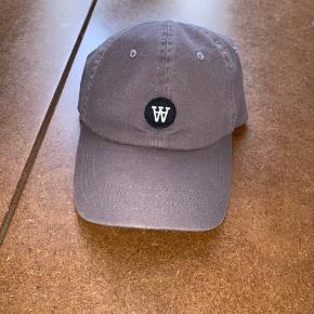 Wood Wood Cap One size - justerbar  Double A  Nypris: 300,- Brugt få gange - fejler intet
