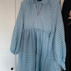 Smuk Stine Goya kjole, passer str. xs-m. Den er aldrig brugt. BYD