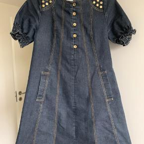 Rigtig smart denim kjole, i god stand;-)
