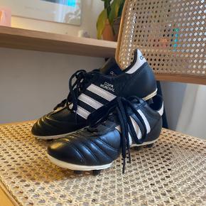 Adidas Copa mundial  - lavet af kænguru læder  - kun brugt få gang  - pris er til forhandle  💘💘💘
