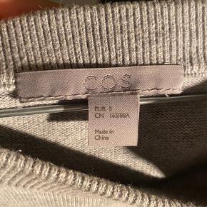 Sælger denne COS sweater! BYD