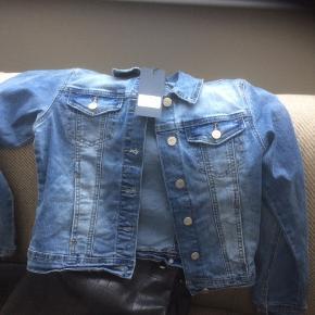 Ny jakke fra Nilsen før 399.-
