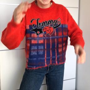 Tommy Hilfiger sweater af italiensk uld!   #30dayssellout   Tags  Ganni, Tommy Hilfiger, gestuz, Michael Kors, envii, Wood Wood, samsøe samsøe, asics, Nike, Weekday, kenzo, mærkevarer, na-kd, Neo noir
