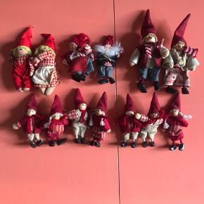 En del forskelligt julepynt - alt på billedet : 40kr  Har en del julepynt til salg - giver god mængderabat
