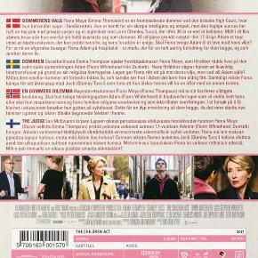 0335 🎬 Judge, The (DVD)  Dansk Tekst - I FOLIE   The Children Act  Fiona Maye (Emma Thompson) er en fremtrædende dommer ved den britiske High Court, hvor hun behandler sager i familieretten. Hun er kendt for sin skarpe intelligens og empati, men den faglige succes har haft en høj pris med private sorger og et ægteskab med Jack (Stanley Tucci), der efter 30 år er ved at kollapse. Midt i sit livs største krise står hun overfor sin hidtil sværeste sag som dommer. Af religiøse grunde nægter den 17-årige Adam at tage mod en blodtransfusion, der kan redde hans liv, og hans forældre er enige. Skal Fiona tvinge Adam til at leve mod hans vilje? For at nå en afgørelse besøger Fiona Adam på hospitalet. Det bliver et møde, der får en helt særlig betydning for dem begge, og som ændrer deres liv.  Tekst fra pressemateriale