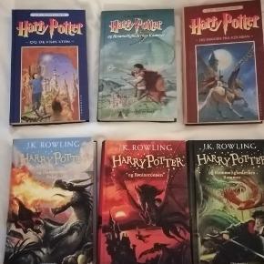 Forskellige udgaver af Harry Potter bøger Alle er hard back og aldrig læst i, da jeg har andre udgaver  Nypris for 1-5 er 900 kr.  Kom med et bud - på en eller flere   Sender gerne