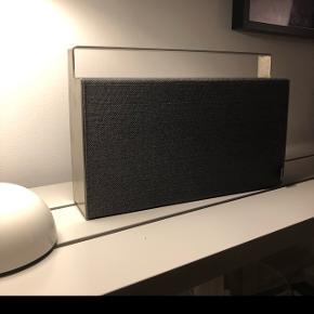 Bluetooth højtaler fra Georg Jensen - model S1. Fungerer perfekt - ingen slidtage.