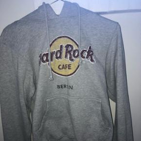 Sælger hoodie fra Hard Rock Cafe. Fitter xs-s