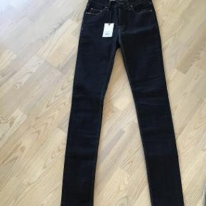 """Højtaljede """" kelly"""" jeans blå/sort str 28/32."""