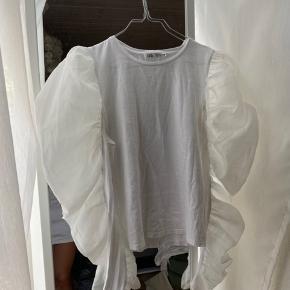 Super fin bluse, som man kan bruge indenunder sine veste