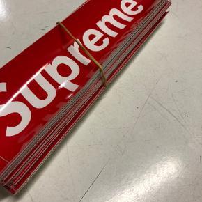 Supreme klistermærker 14kr pr stk  10stk for 100kr  Plus 10kr fragt  Skriv på 20898000