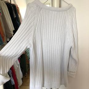 Oversize strik / sweater i hvid