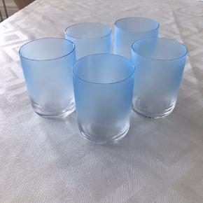 5 stk glas fra Hay. Kan sendes på købers regning ellers hentes i Aarhus midt
