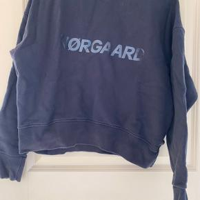 God stand men brugt trøje fra Mads Nørgaard. Den er købt her på TS og jeg har ikke brugt den da den er en tand for lille til mig.