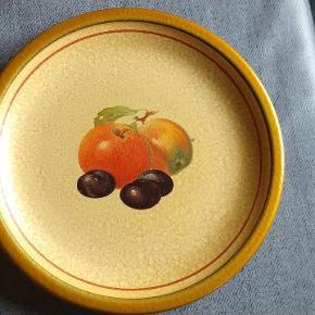 6 STK retro tallerkener med frugt motiv