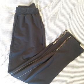 Soft - High rise track pants