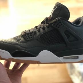 Nike air Jordan Retro 4 :)  Brugt 2 gange - fejler ingenting   Alt medfølger