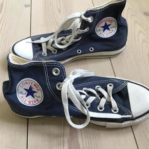 Varetype: Converse Størrelse: 37/5 Farve: Blå