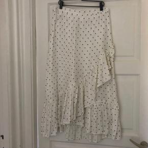 H&m nederdel Helt udsolgt.  Størrelse M.