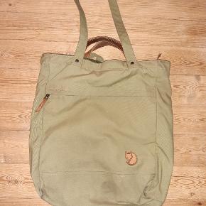 En virkelig lækker taske, som jeg desværre bsre ik får brugt. 310