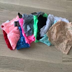 10 par fine trusser/hot pants i flere forskellige farver  Aldrig brugt - stadig med prismærke