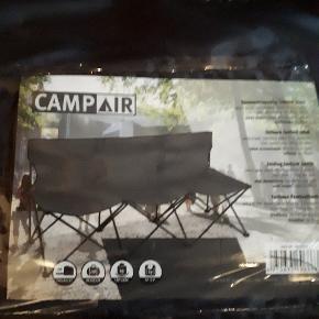 Camp air bænk / 3 stole der hænger sammen. Kan klappes helt sammen og taske er med. Porto 59 kr