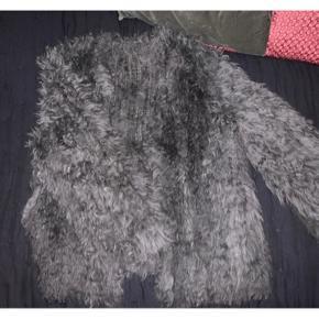 Grå/grøn pels brugt 2 gange