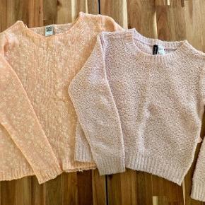 Sælges: 2 stk Sweaters  Vero Moda sweater Ny  købspris: 450 kr.  Aldrig brugt Rosa Divided strik  * begge nye og aldrig brugt.  Pris på forsendelse er  37,00 kr.