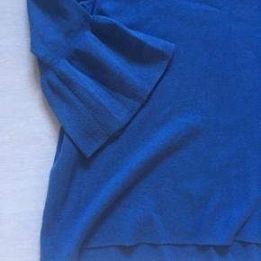 Blå strik med fine ærmer fra H&M   Str. 42/XL Fin stand