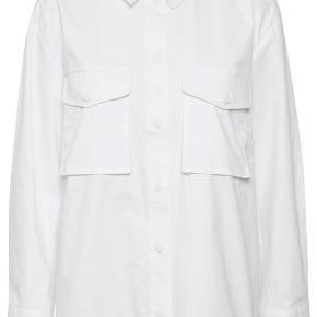 Fed skjorte fra Gestuz, oversize.  Brugt to gange   100% økologisk bomuld.