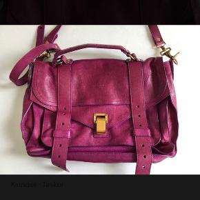 Sælger min lilla proenza taske