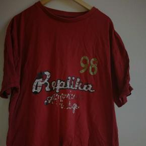 T-shirt fra Replika, str. 2xl