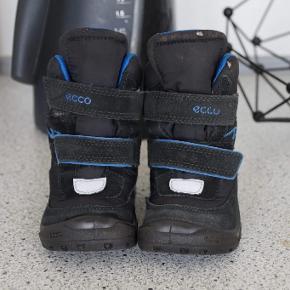 dab0deaf219 Ecco vinter støvle str 22. Brugt en enkelt sæson. Har en smule slid øverst