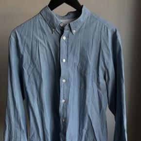 """Acne Studios- Isherwood Cham skjorte i farven """"washed indigo"""" fra SS14. Den er for stor til mig.Strl. 52/large - classic fit.Stand: 9,5/10"""