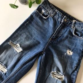 """De perfekte """"mom"""" jeans.  High rise, relaxed fit.  Perfekt stand."""