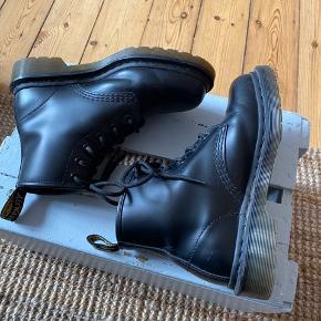 Dr martens støvler brugt få gange