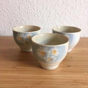 3 marguerite kopper eller lysestager  -fast pris -køb 4 annoncer og den billigste er gratis - kan afhentes på Mimersgade 111 - sender gerne hvis du betaler Porto - mødes ikke andre steder - bytter ikke