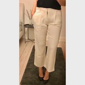 Super fine hvide bukser