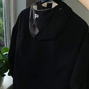 Peak Performance Softshell jakke Str M  Står smukt uden skader. God skijakke med masser af lommer