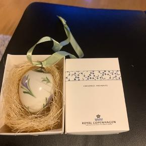 Royal æg som nyt i original æske med rede og bånd ...;;samler objekt ;;;1sortering;;  2006 LILLA CROKUS (1249 371)  Sender + Porto 38 kr