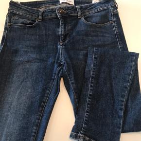 Klassiske jeans fra Pieszak i forvasket blå, str 29. Brugt et par gange🌸