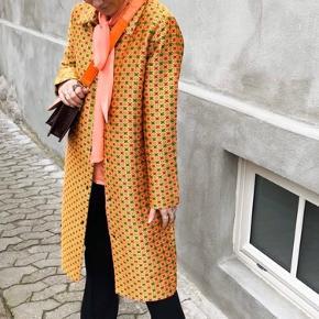 Sælger denne smukke jakke fra Mads Nørgaard, da jeg aldrig har fået den brugt.✨☀️