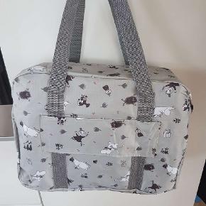 Mumi taske  40x30x15cm  Ny  Moomin mummi