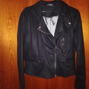 Helt ny jakke fra freequent, str xl